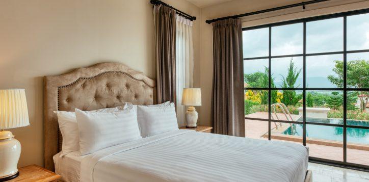 movenpick-khaoyai_2bedroom-pool-villa_secound-bedroom-2