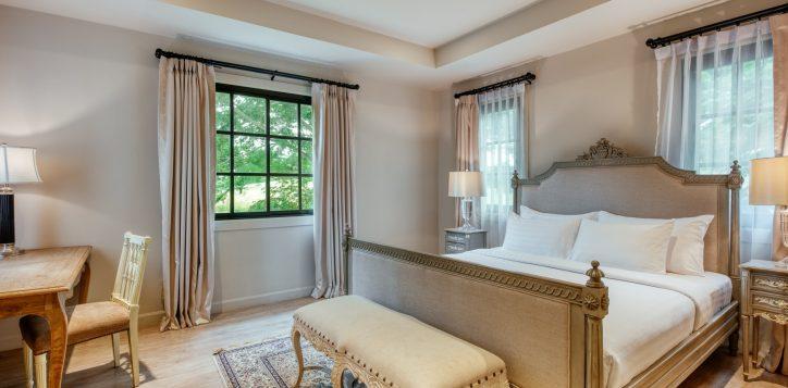 movenpick-khaoyai_5bedroom-pool-villa_secound-bedroom-2-2