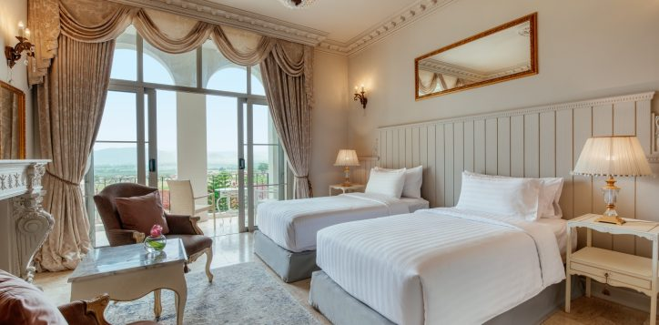 movenpick-khaoyai_deluxe-twin-bedroom-2-2