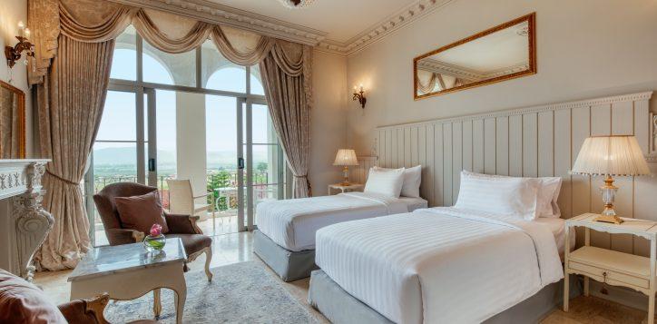movenpick-khaoyai_deluxe-twin-bedroom-2