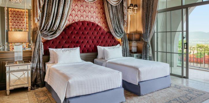 movenpick-khaoyai_executive-deluxe-twin-bedroom-2-2
