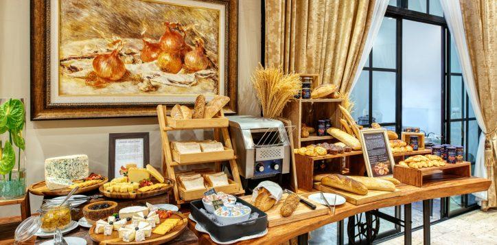 movenpick-khaoyai_flavours-of-khao-yai_breakfast-buffet-line2-2